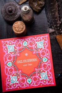 Happinez-Geluksboek_Cover